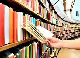 Libros estantes circulares